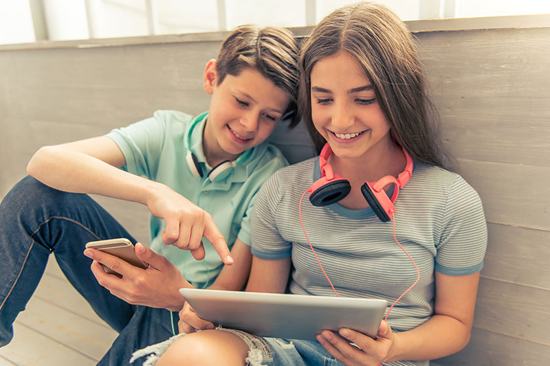 Increased Screen Time Linked with Increased Depressive Symptoms in Teens